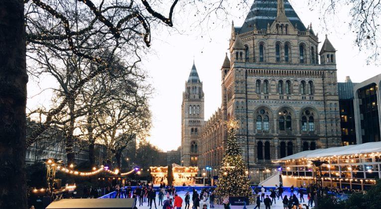 Mit Skyscanner ins weihnachtliche London