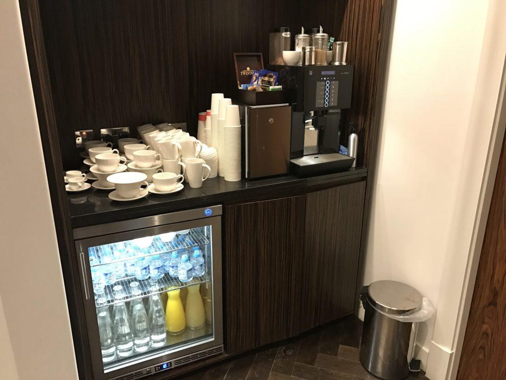 sheraton-grand-london-park-lane_club-lounge-kaffee