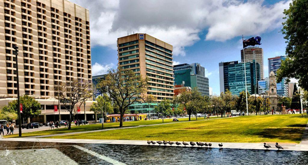 Victoria Square Adelaide und Hilton Adelaide