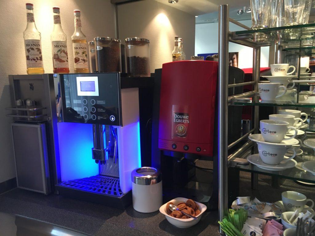 Lufthansa Lounge Athen Kaffee