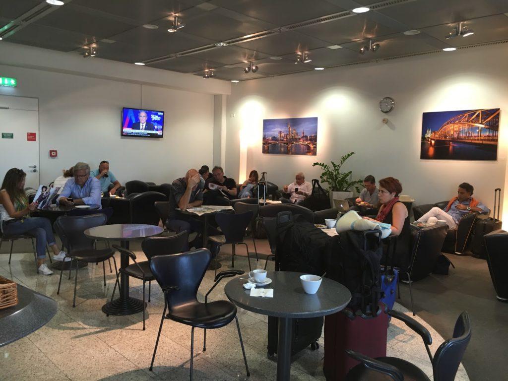 Lufthansa Lounge Athen Sitzgelegenheiten