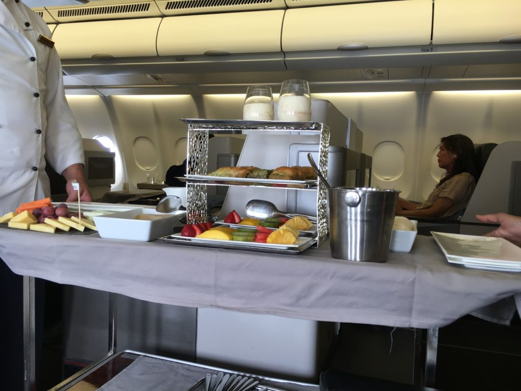Turkish Airlines Business Class Dessertwagen