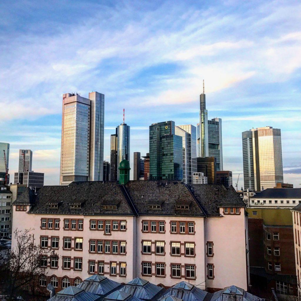 Le Meridien Frankfurt Deluxe Zimmer Skyline View