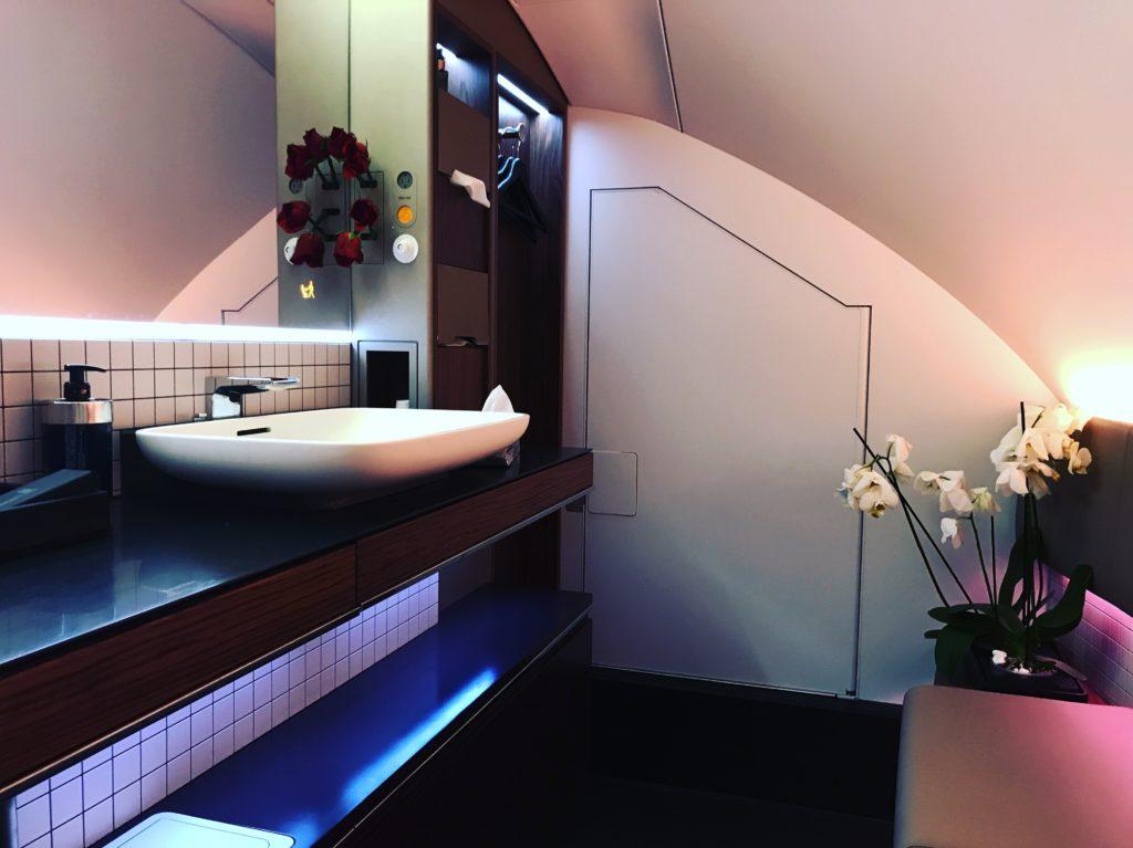 Qatar Airways First Class Toilette