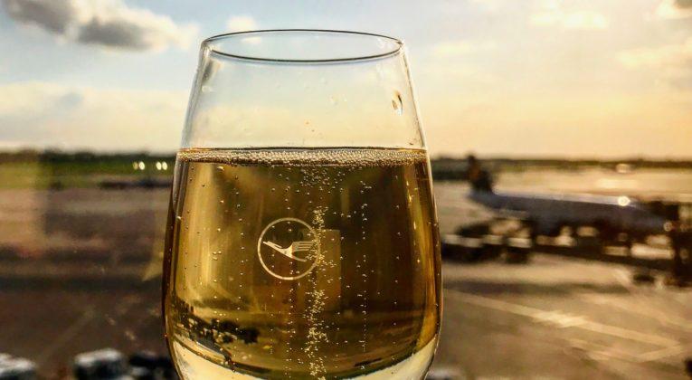 InsideFlyer Wochenrückblick Lufthansa streicht Champagner in Senator Lounges