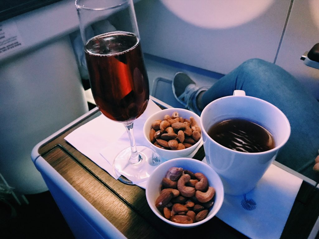 Qatar Airways Business Class Airbus A330 Aperitif
