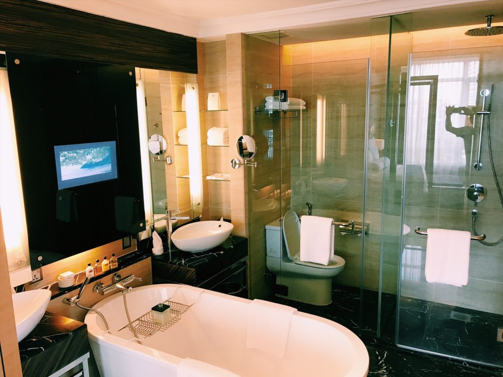 The Majestic Kuala Lumpur Junior Suite Badezimmer