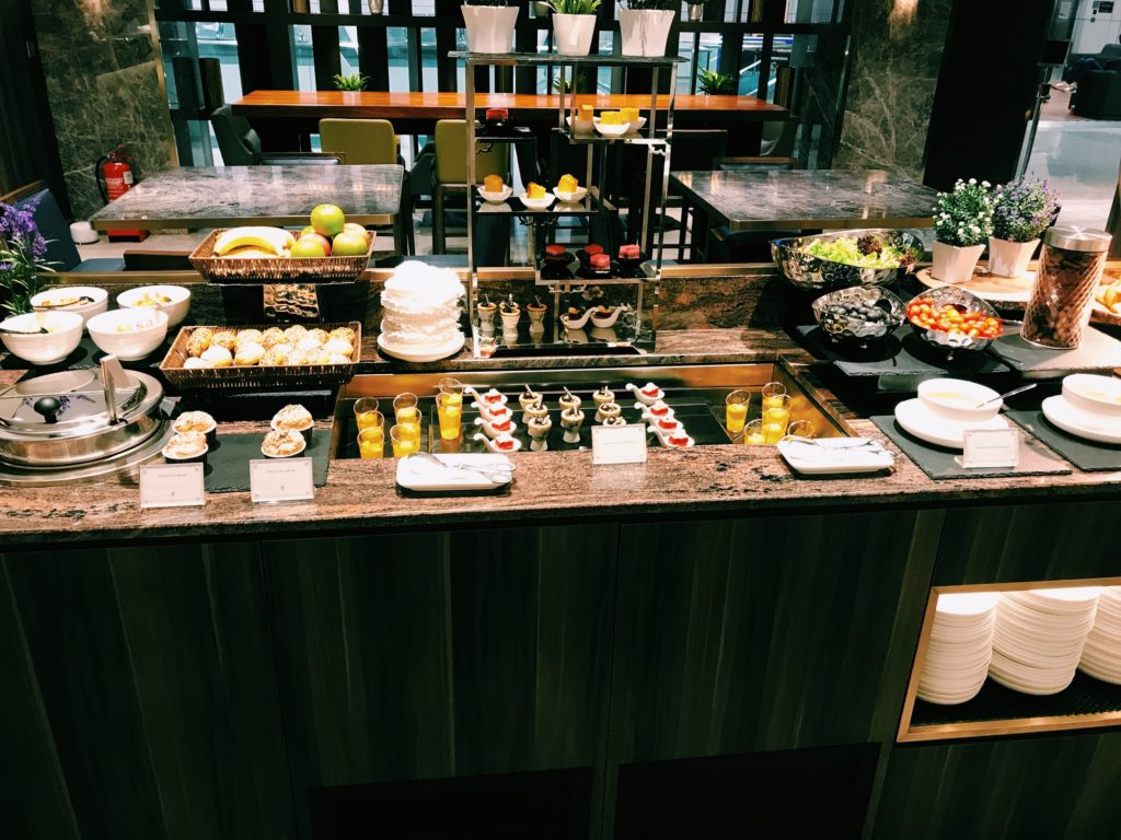 Plaza Premium First Lounge Kuala Lumpur Snacks