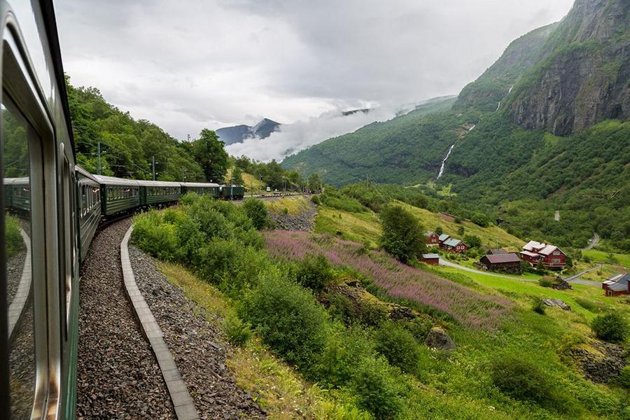 eindrucksvolle Zugstrecken: Flamsbana