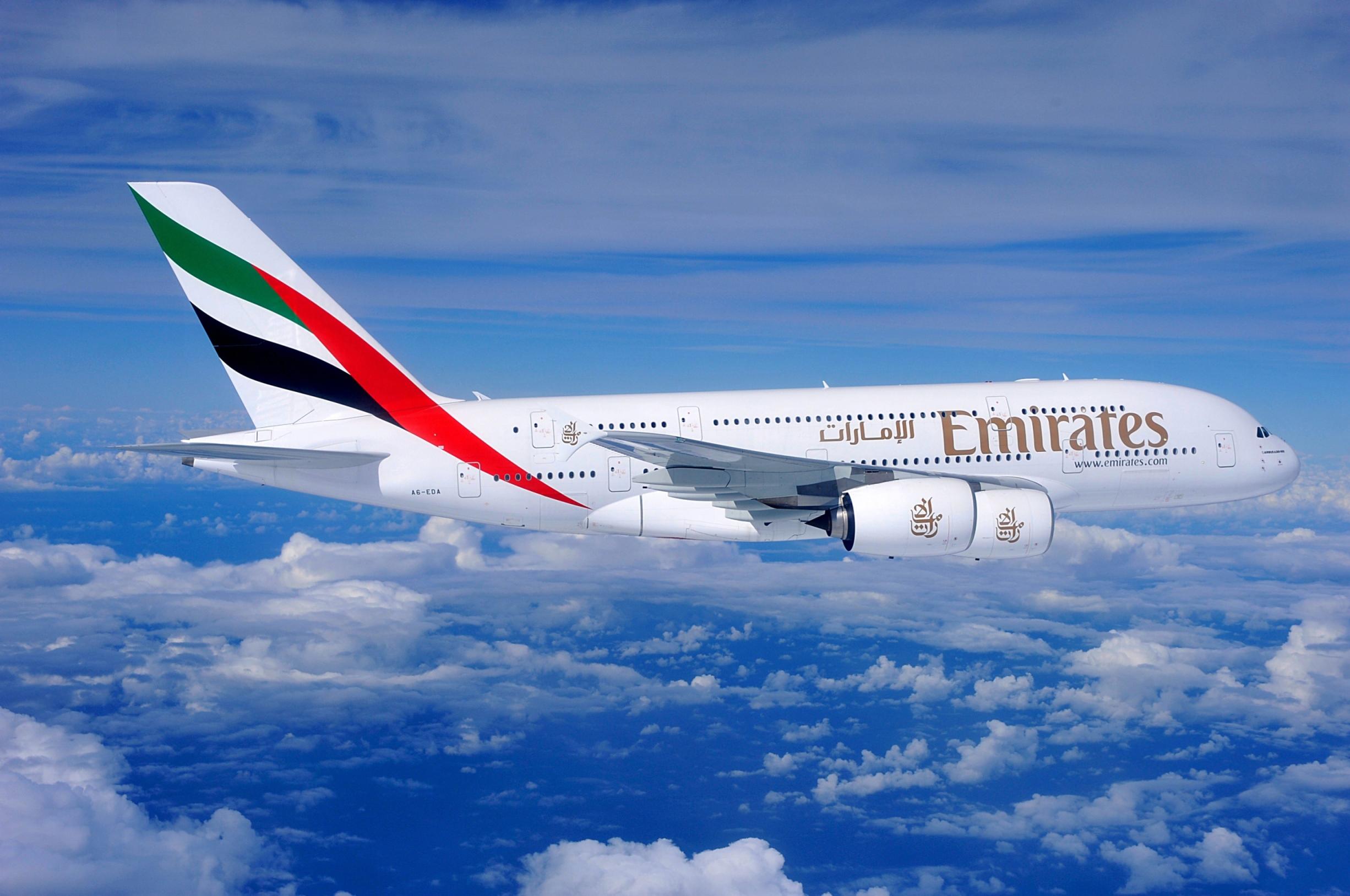 Emirates fliegt mit der Airbus A380 nach Hamburg
