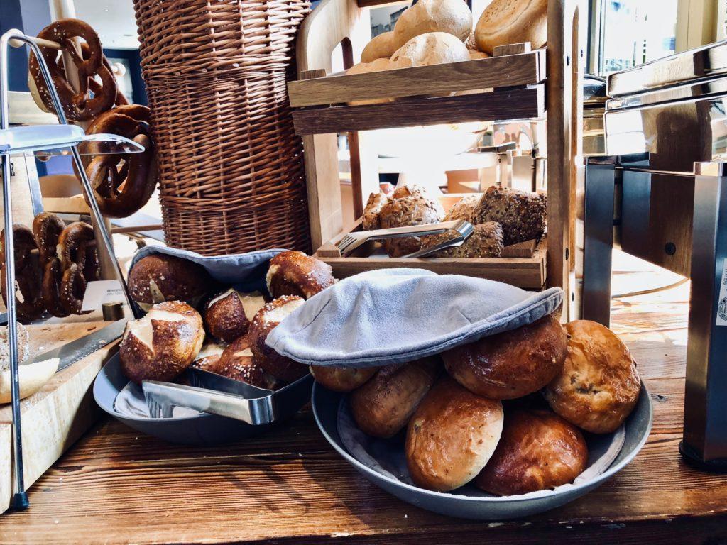 Lindner Hotel Frankfurt Main Plaza Frühstück