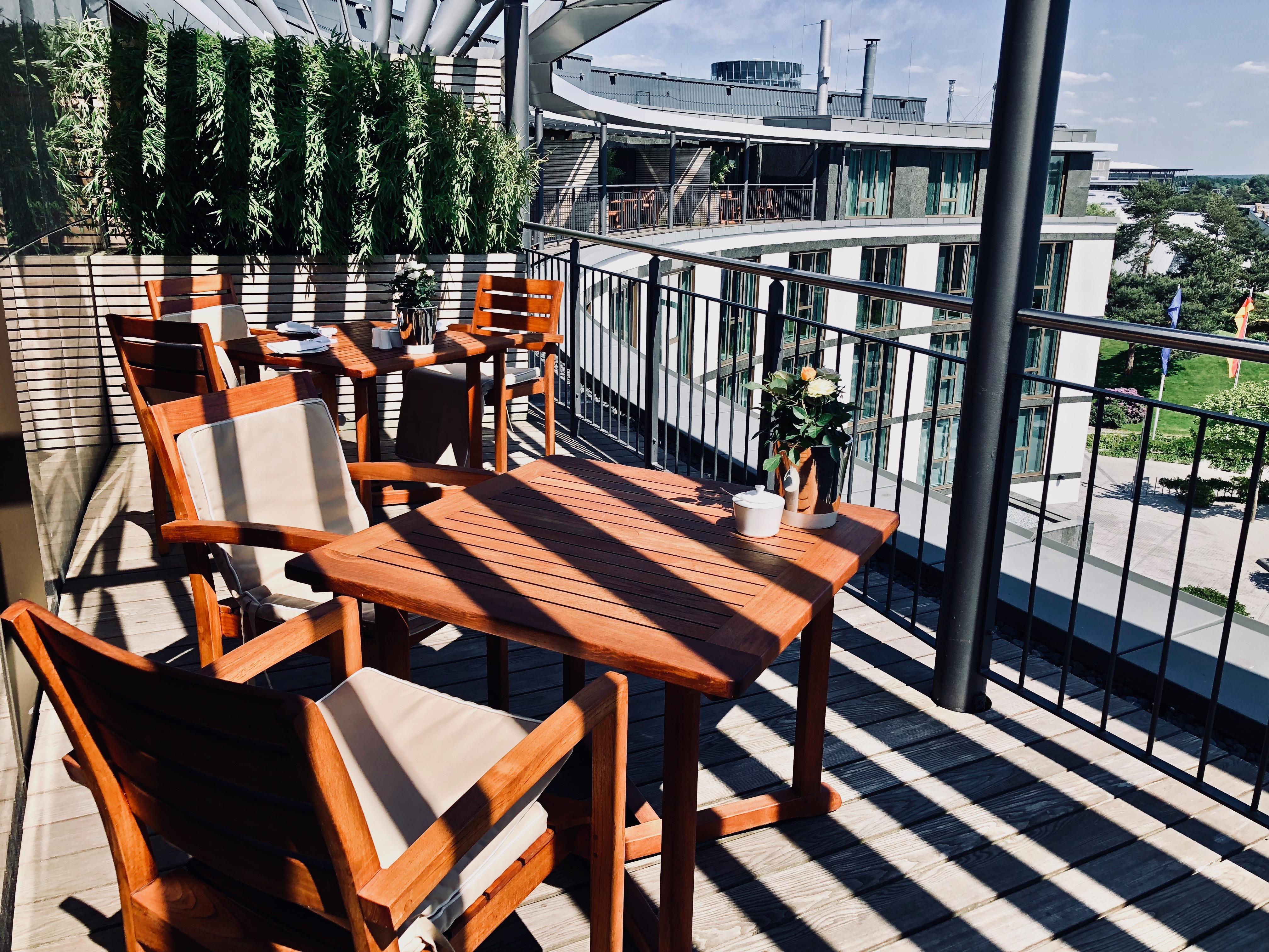 The Ritz-Carlton Wolfsburg Club Lounge Terrasse