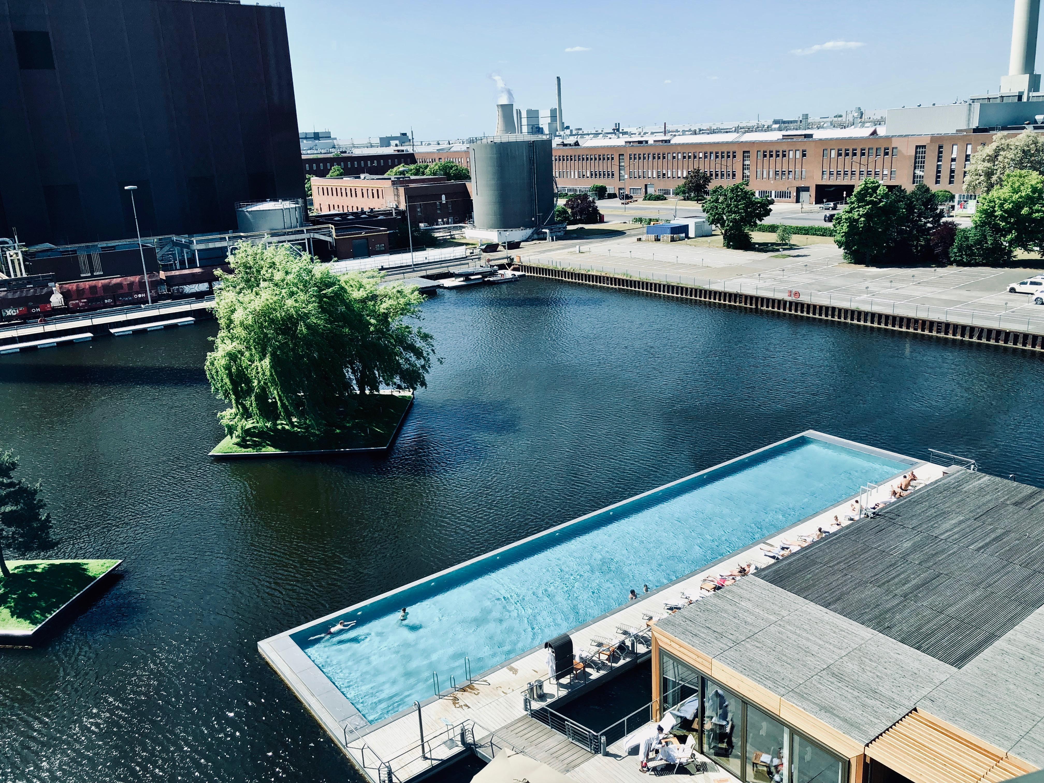 The Ritz-Carlton Wolfsburg Pool