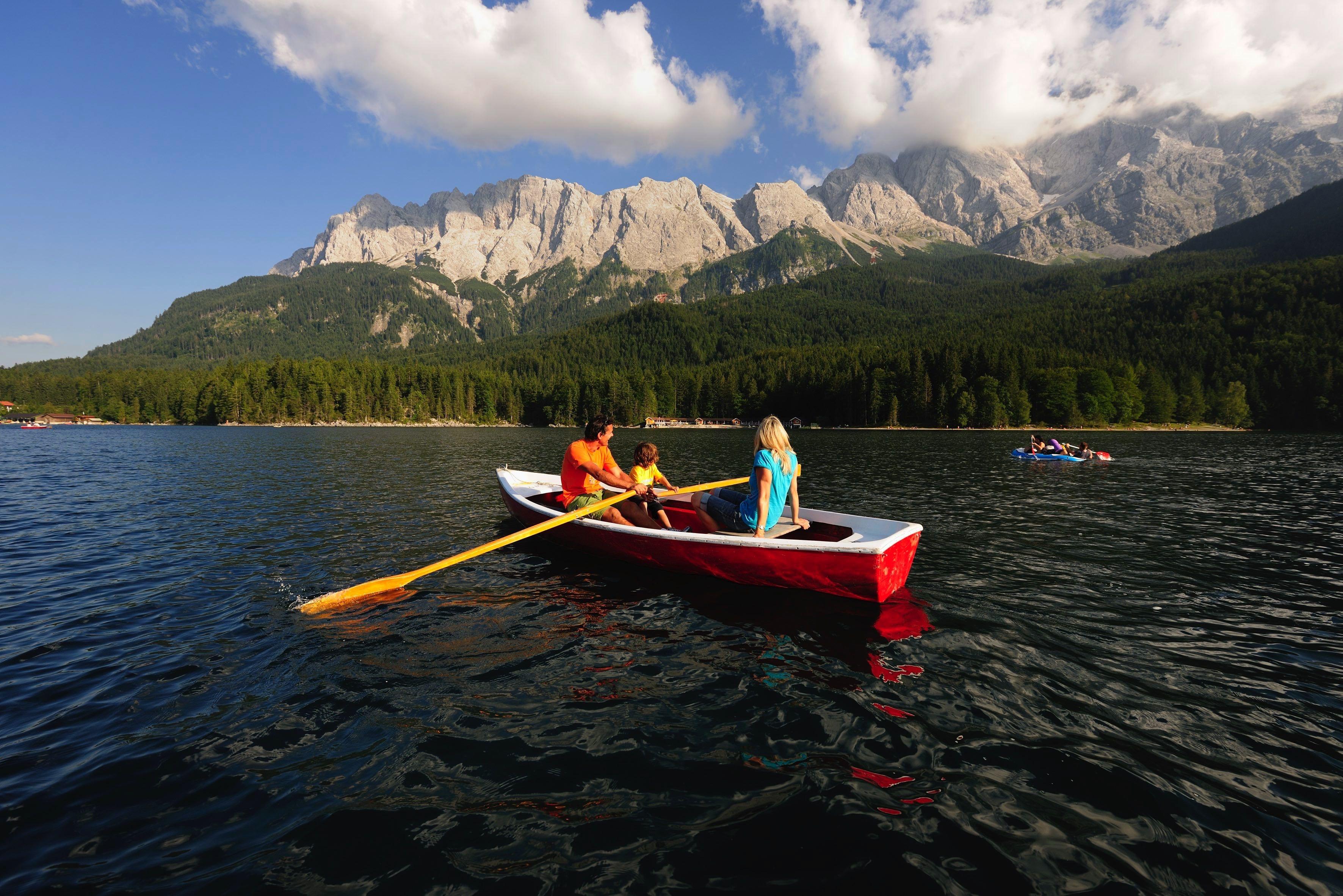 Wochenendtrips an die schönsten Seen zum Abkühlen