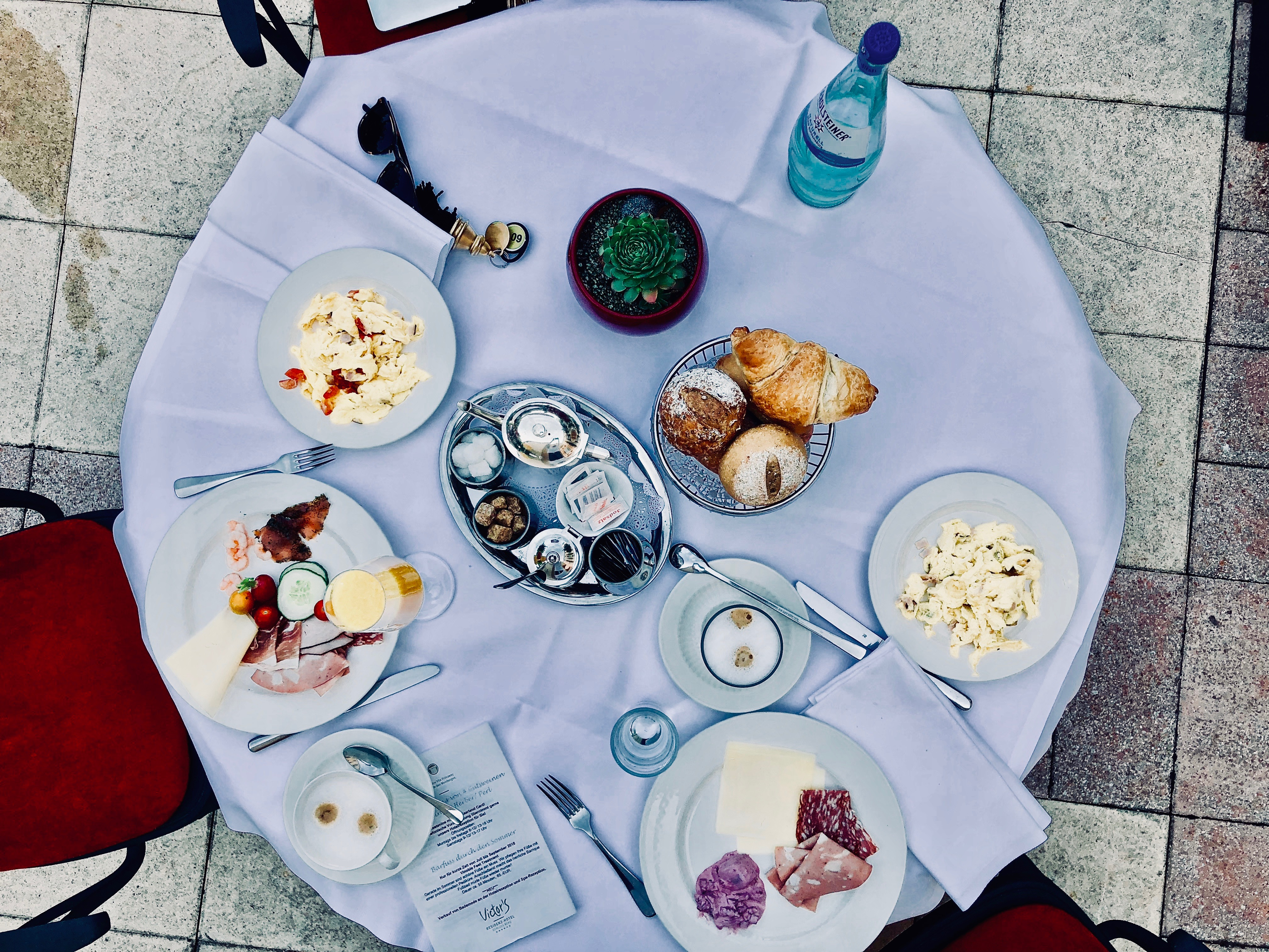 Victor's Residenz-Hotel Schloss Berg Frühstück