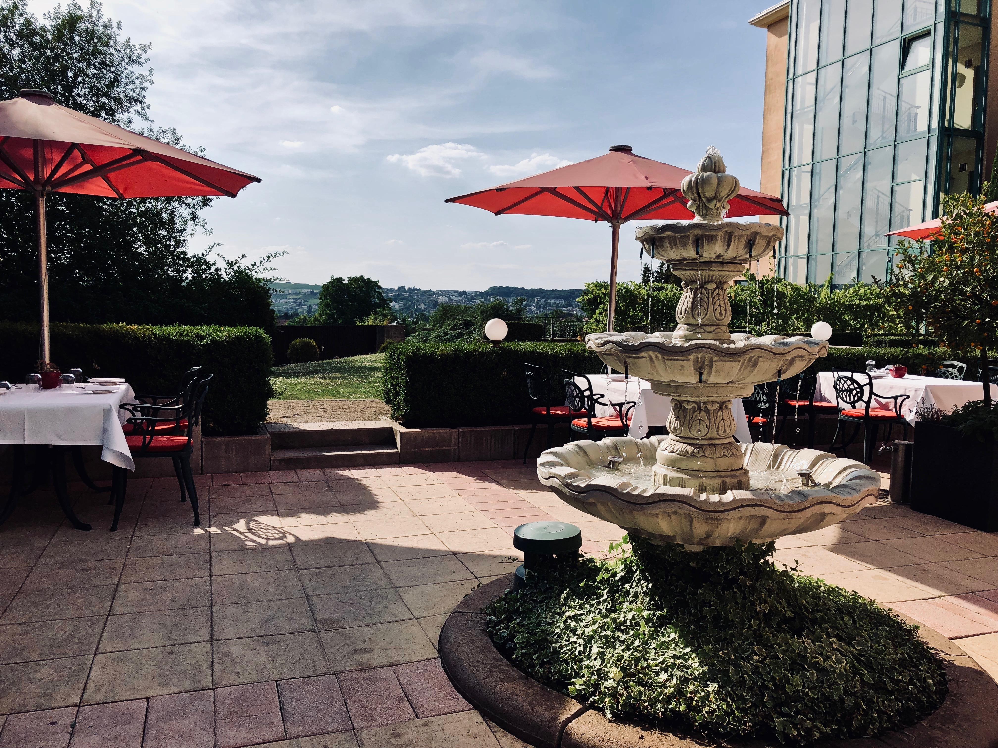 Victor's Residenz-Hotel Schloss Berg Restaurant Bacchus Terrasse