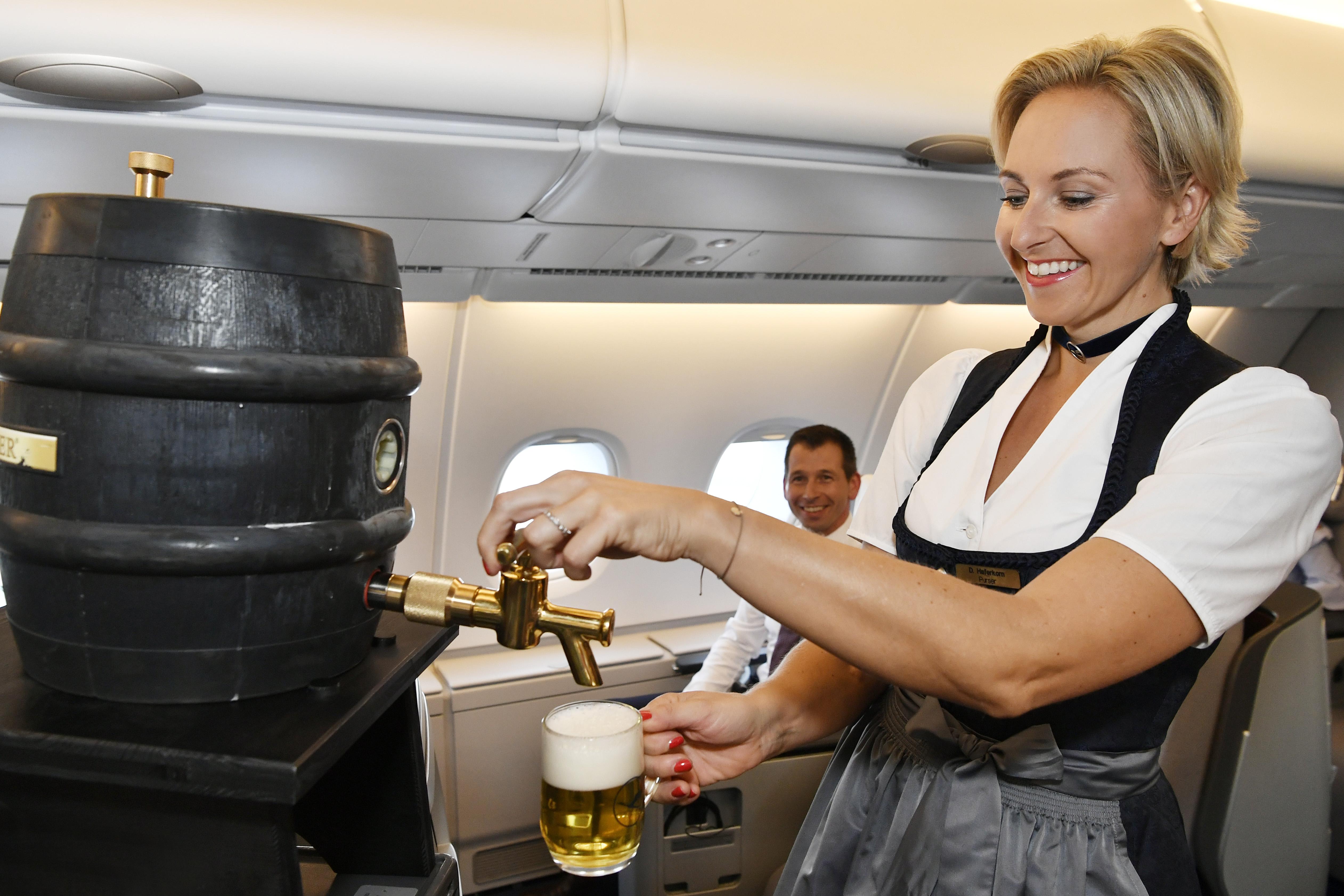 Lufthansa Trachtenflüge