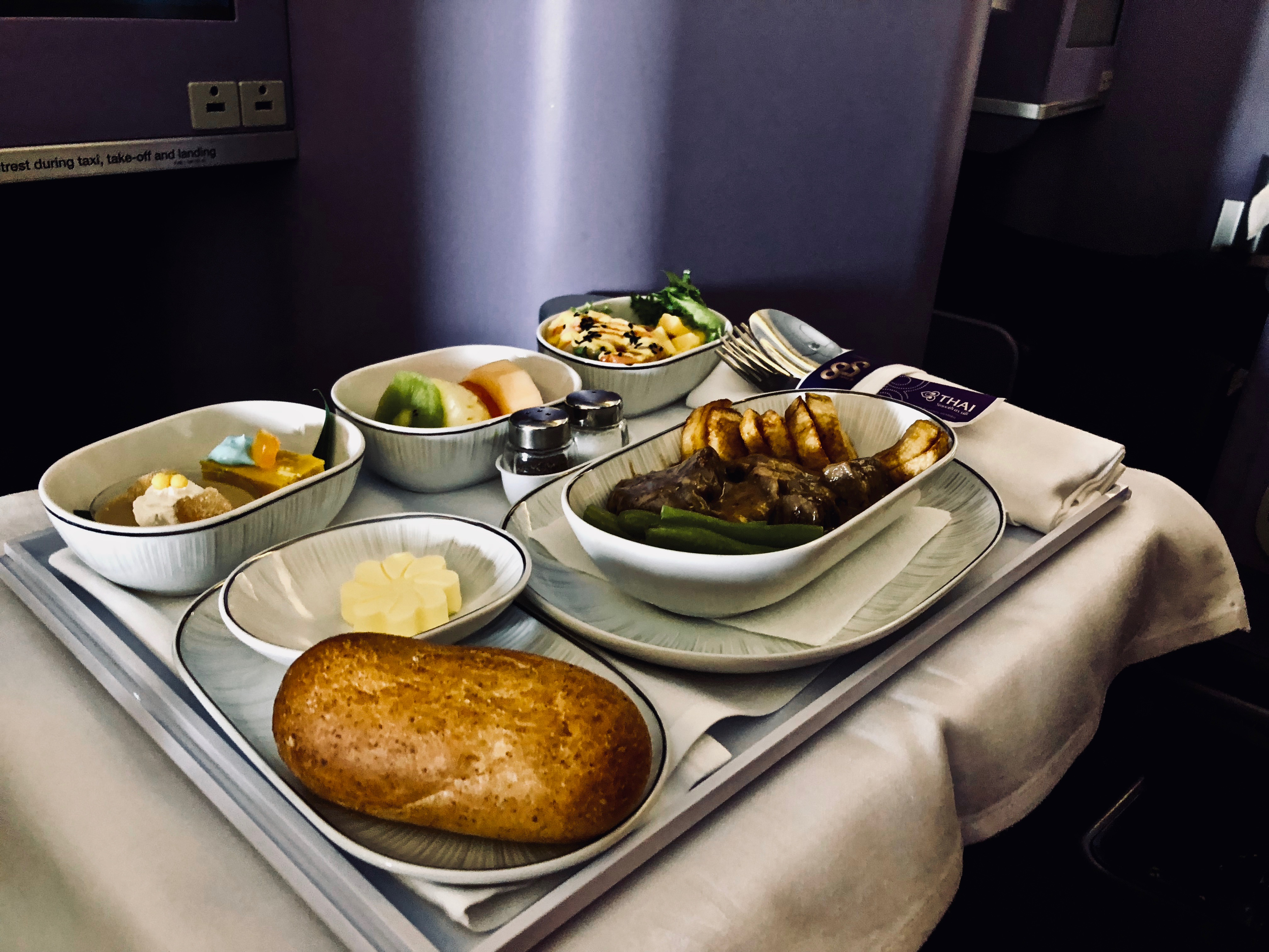 Thai Airways Business Class Boeing 777 Catering