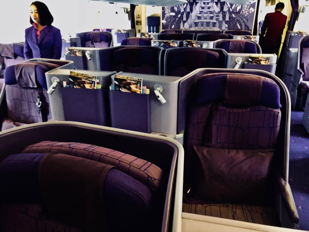 Thai Airways Business Class Boeing 777 Kabine