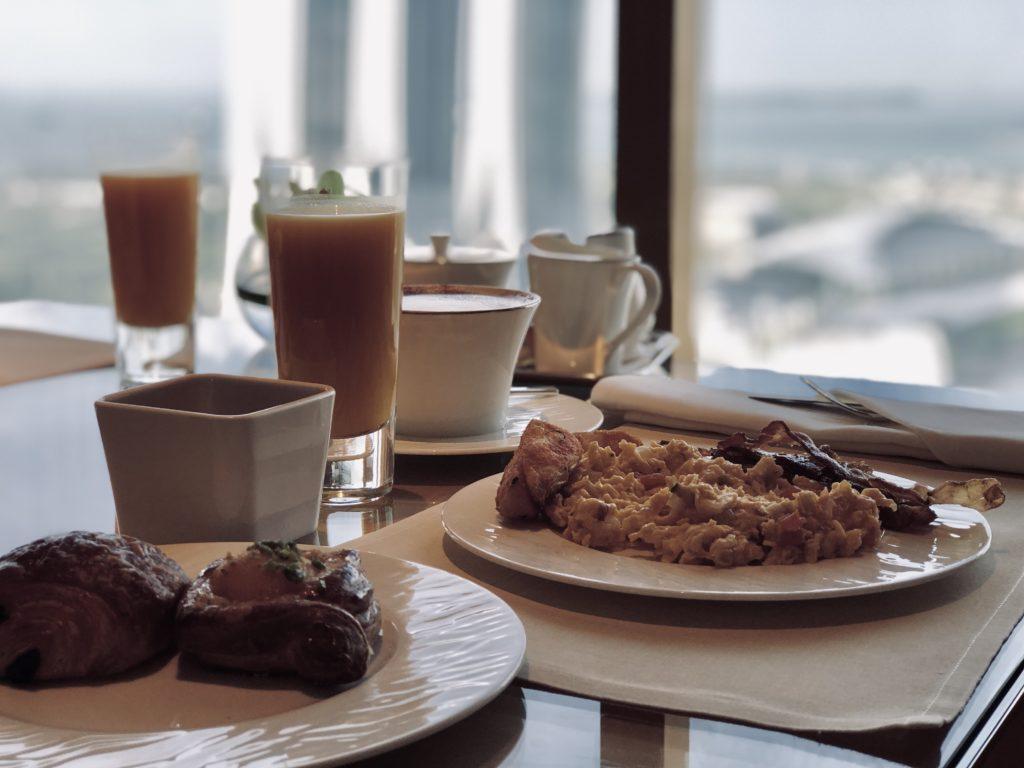 The Ritz-Carlton Millenia Singapore Club Lounge Frühstück