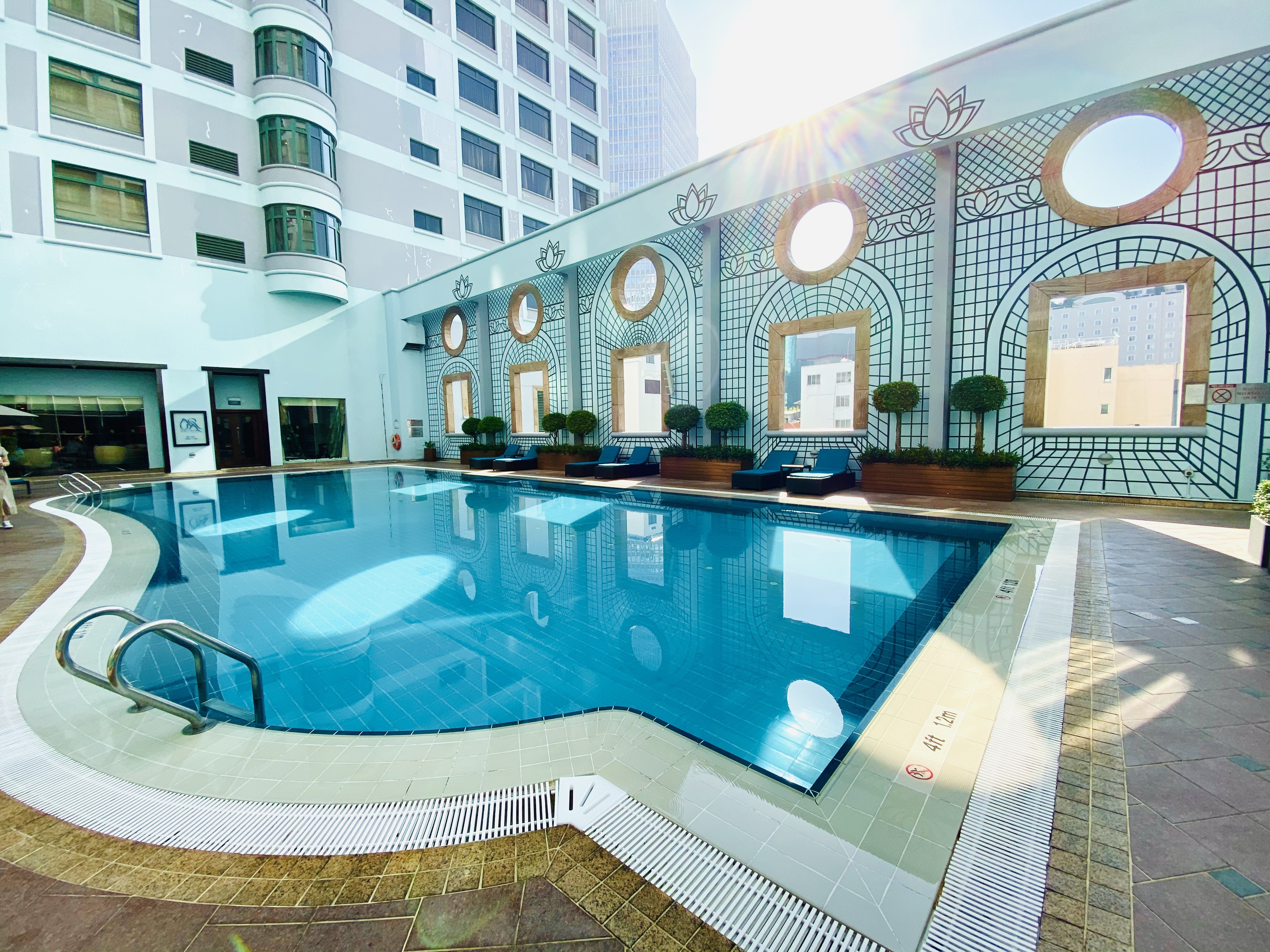 Saigon Hotel & Towers Pool