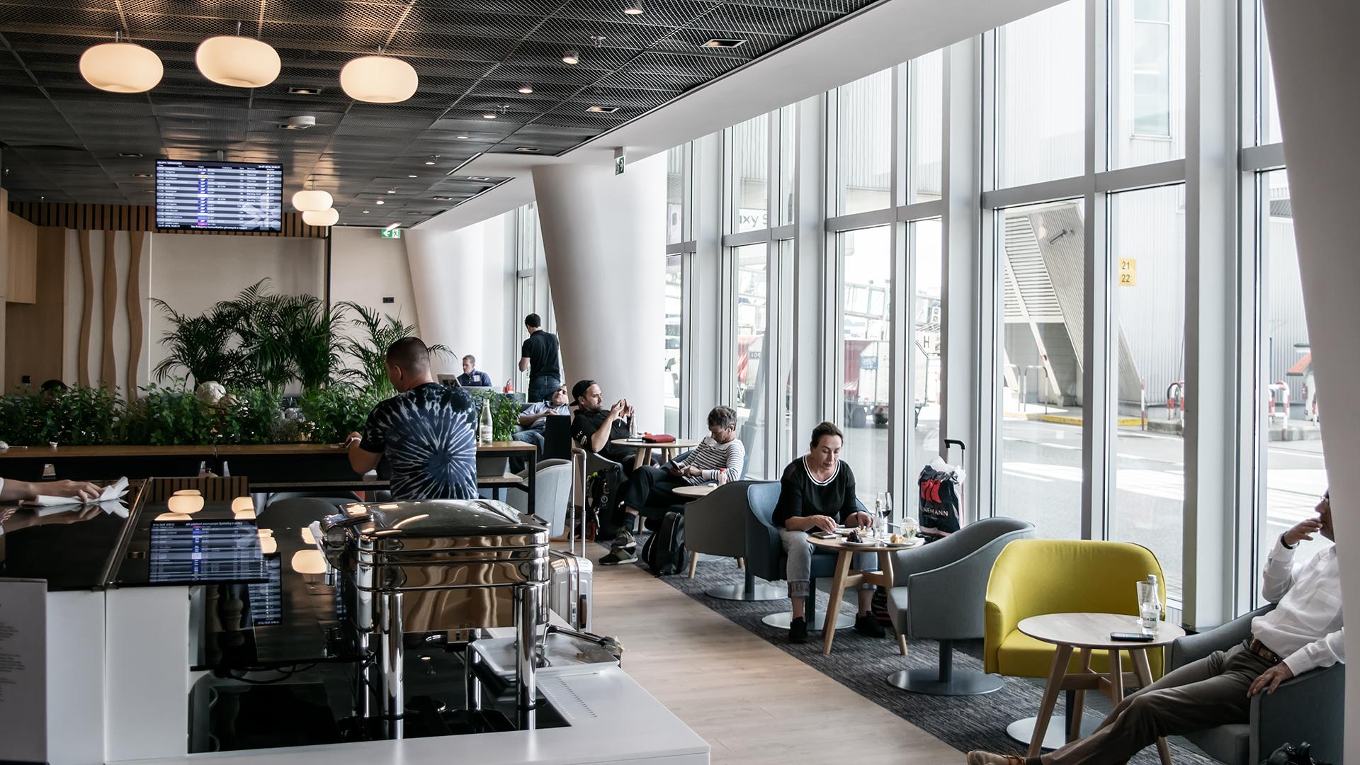LOT Lounge