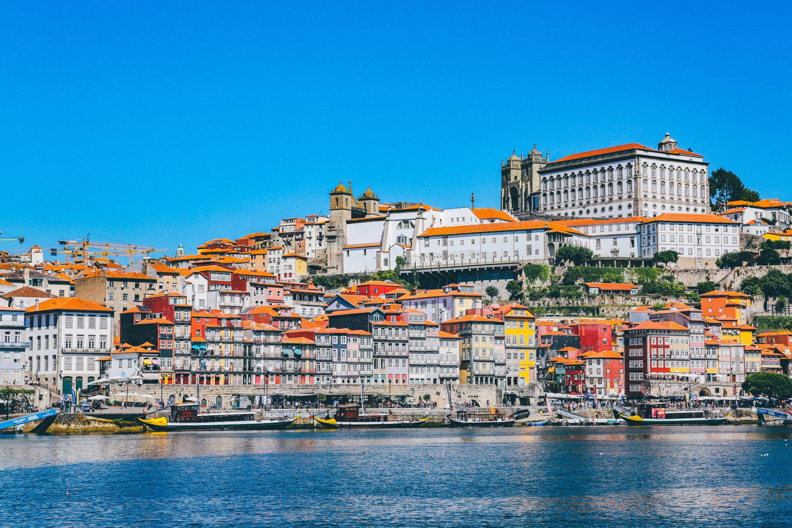 Lufthansa Group nimmt Porto ins Programm