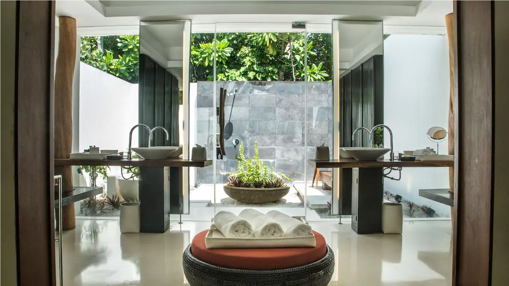 Pool Villa in Park Hyatt Maldives at a special price