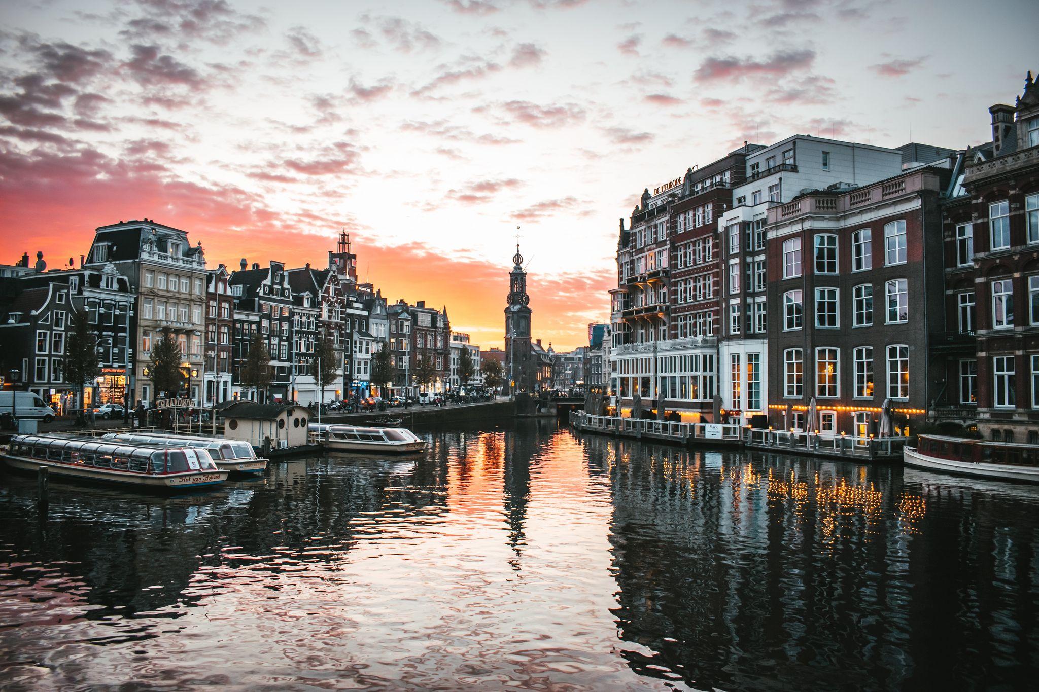 Mit PLAY nach Amsterdam